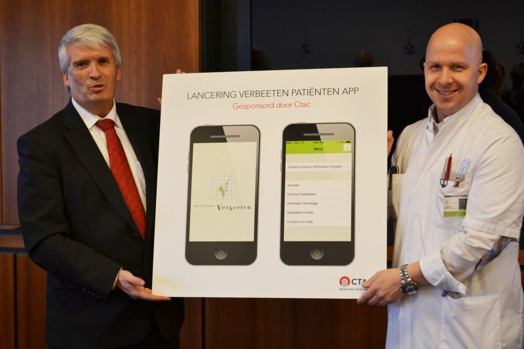 Douwe vd Werf (CTAC) en Tom Rozema tijdens de lancering van de app