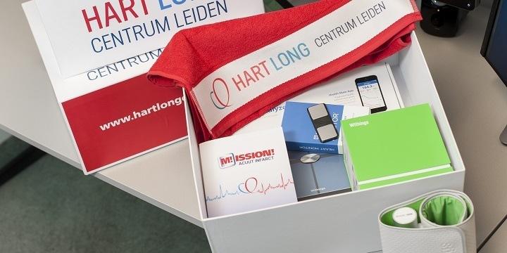 The Box met daarin een bloeddrukmeter en WiFi weegschaal en ECG voor thuis