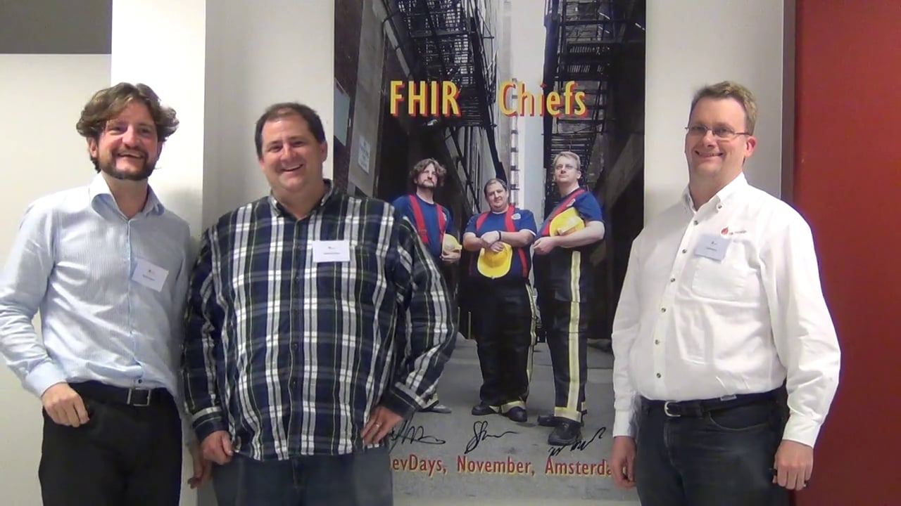 Graham Grieve (midden) naast twee FHIR-architecten van het eerste uur: Ewout Kramer (l) en Lloyd Mckenzie (r)