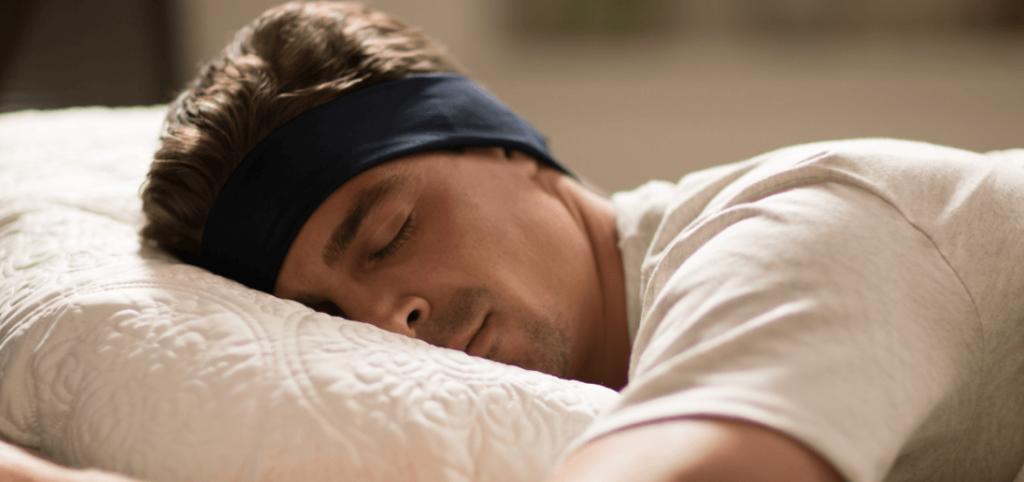 Hoog gadget gehalte: SleepPhones verwerkt oordopjes in een band